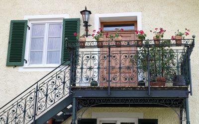balcony-419257_1280